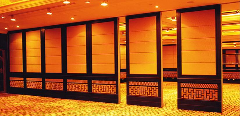 Những lý do nên dùng vách ngăn di động hội trường ở Đà Nẵng bằng gỗ