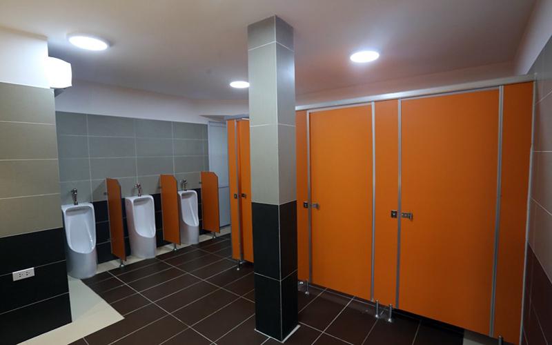 """Kinh nghiệm chọn vách ngăn phòng vệ sinh """"CHUẨN MÊ"""""""