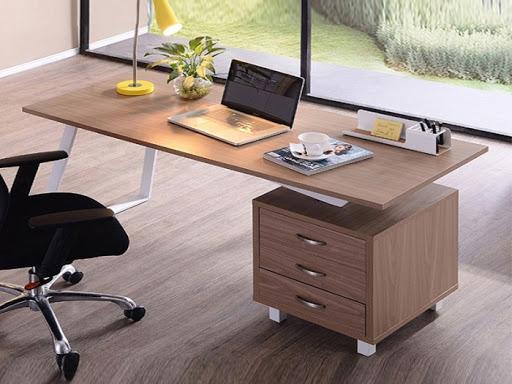 Dùng gỗ veneer làm bàn làm việc